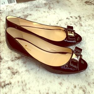 Excellent patent low wedge shoes
